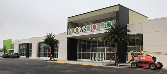 Exterior front of building at Rooms to Go